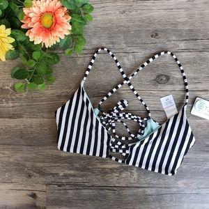 L*Space 💥NWT💥 Flynn Reversible Stripe Bikini Top